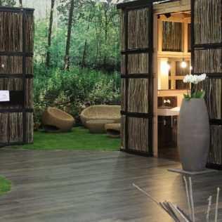 Legno Per L'architettura Nel 'bosco' Di Aggregati A Cersaie
