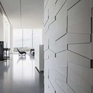 Sculptural Effect Walls For An Charming Interior