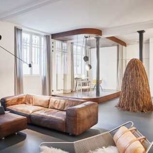A ' Box ' In Glass And Wood Gives Character To A Parisian Loft